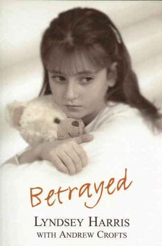 9780753194119: Betrayed (Isis Nonfiction)