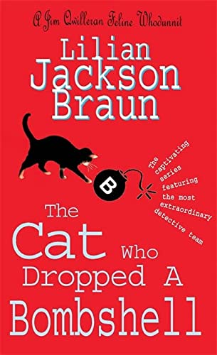 9780755326013: The Cat Who Dropped a Bombshell