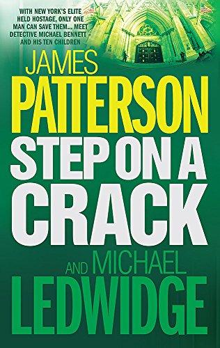 9780755330416: Step on a Crack
