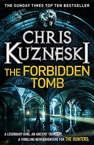 9780755386550: The Forbidden Tomb (The Hunters 2)