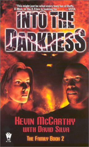 9780756400217: 2: Into the Darkness:: The Family, Book II