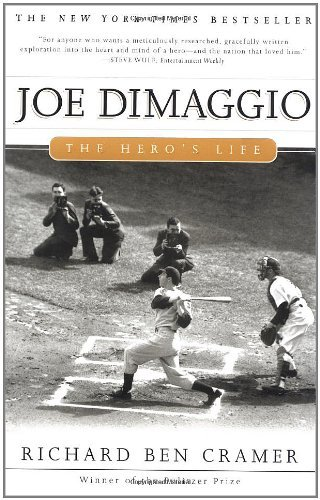 9780756779764: Joe Dimaggio: The Hero's Life