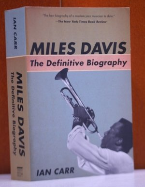 9780756783754: Miles Davis: The Definitive Biography