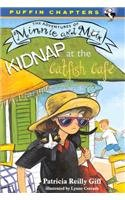 9780756902629: Kidnap at the Catfish Cafe (Adventures of Minnie and Max (Puffin))