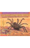 9780756917395: Do Tarantulas Have Teeth?: Questions and Answers about Poisonous Creatures (Scholastic Question & Answer (Pb))