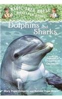 9780756922108: Dolphins and Sharks (Magic Tree House Fact Tracker)