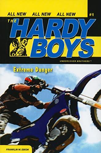 9780756976033: Extreme Danger (Hardy Boys Graphic Novels)