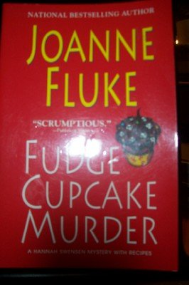 9780758213648: Fudge Cupcake Murder