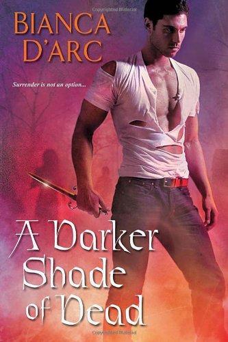 9780758247315: A Darker Shade of Dead