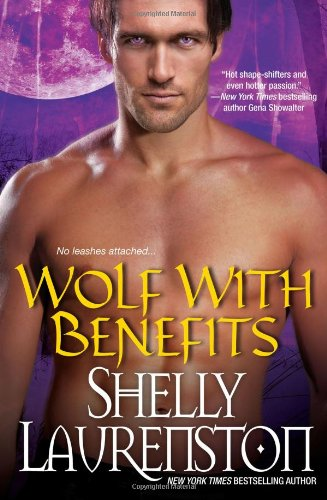 9780758265227: Wolf with Benefits (Brava Paranormal Romance)