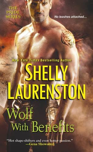 9780758265234: Wolf with Benefits (The Pride Series)