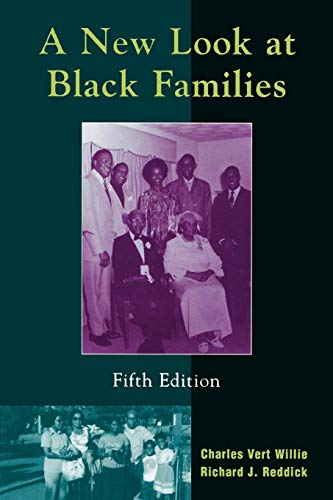 9780759102422: A New Look at Black Families