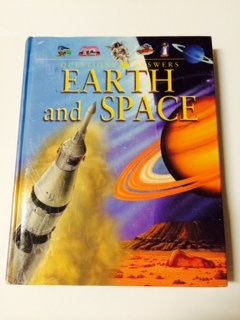 Questions and Answers: Earth & Space (0760768137) by [???]