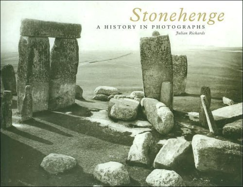 9780760773451: Stonehenge: A History in Photographs