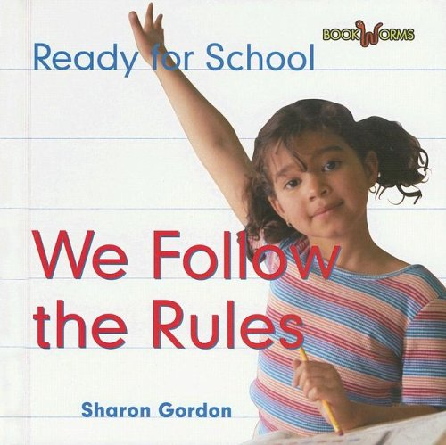 9780761419952: We Follow The Rules (Bookworms)