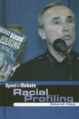 9780761422983: Racial Profiling (Open for Debate)
