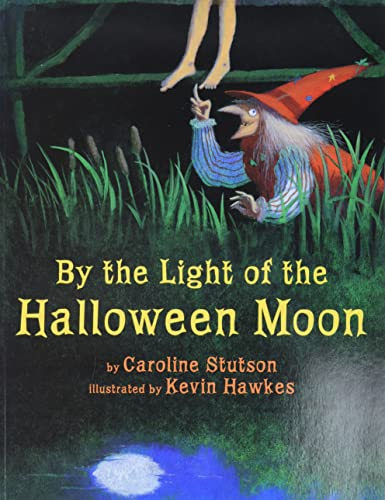 9780761462446: By the Light of the Halloween Moon