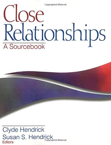 9780761916062: Close Relationships: A Sourcebook