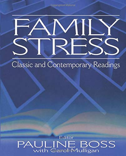 9780761926122: Family Stress: Classic and Contemporary Readings