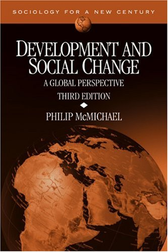 9780761988106: Development and Social Change: A Global Perspective (Sociology for a New Century Series)