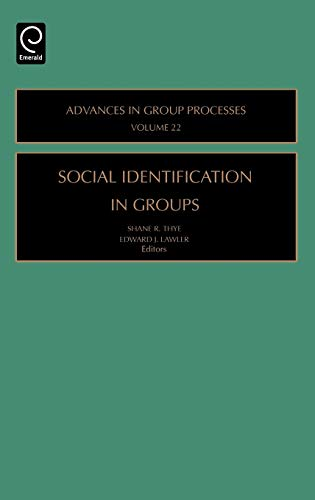 9780762312238: Social Identification in Groups, Volume 22 (Advances in Group Processes)