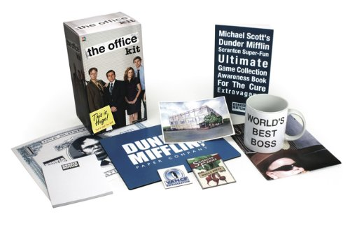 9780762441518: The Office Kit: This Is Huge! That's What She Said! [With Poster and Mouse Pad and Mug and Magnet(s) and Paperback Book]