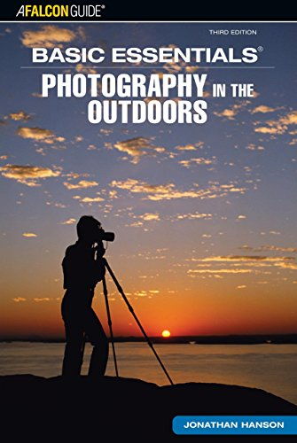 9780762740925: Basic Essentials® Photography in the Outdoors (Basic Essentials Series)
