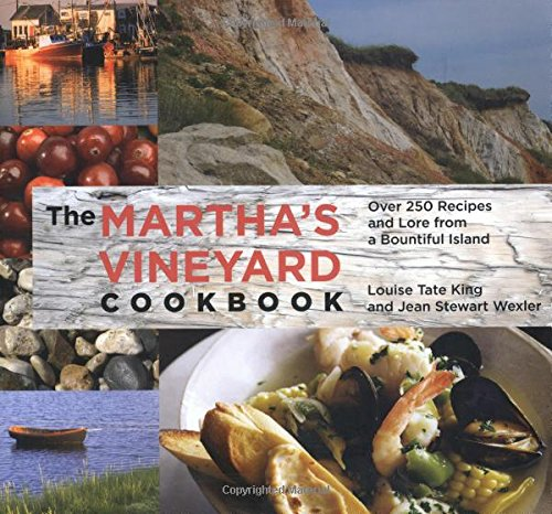 9780762747245: Martha's Vineyard Cookbook: Over 250 Recipes And Lore From A Bountiful Island