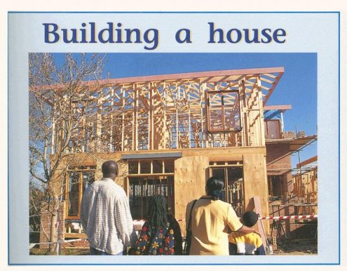 9780763573195: Building a house (Levels 11-12) (Rigby PM Plus)