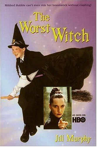 9780763612542: The Worst Witch