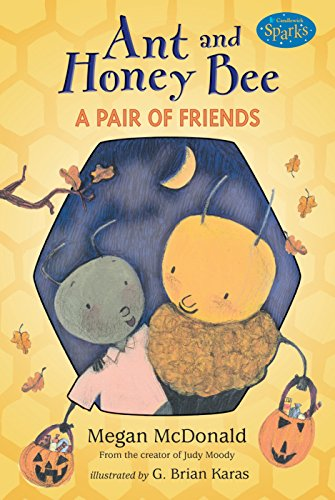 9780763625856: Ant and Honey Bee: A Pair of Friends at Halloween: Candlewick Sparks