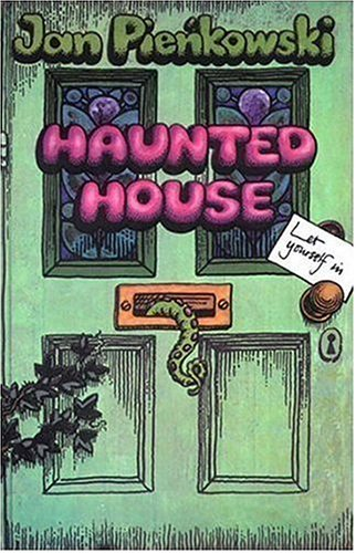 9780763628185: Haunted House
