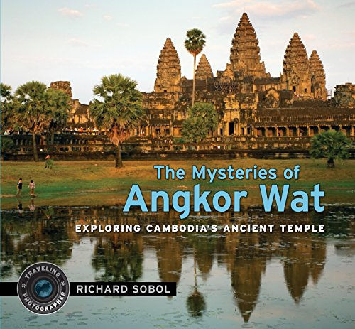 9780763641665: The Mysteries of Angkor Wat (Traveling Photographer)