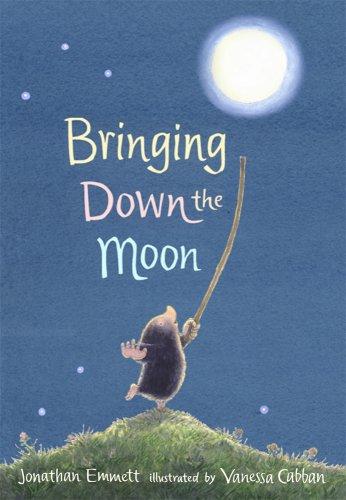 9780763642679: Bringing Down the Moon