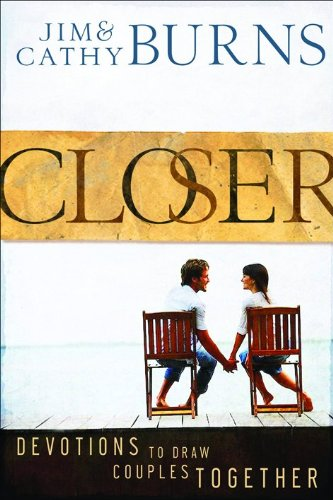 9780764207037: Closer: Devotions to Draw Couples Together