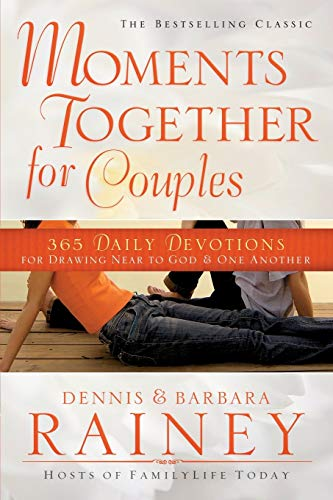 9780764215384: Moments Together for Couples: 365 Daily Devotions for Drawing Near to God & One Another