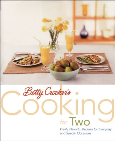 9780764561085: Betty Crocker's Cooking for Two