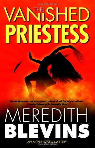 9780765307804: The Vanished Priestess
