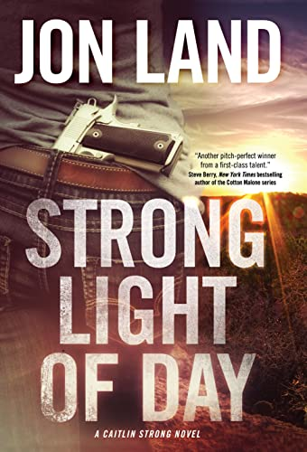 9780765335128: Strong Light of Day (Caitlin Strong)