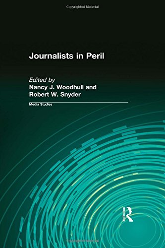 9780765804419: Journalists in Peril (Media Studies Series)
