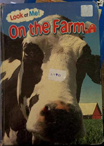 9780766628298: Look At Me on the Farm