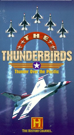 9780767004480: Thunderbirds [VHS]