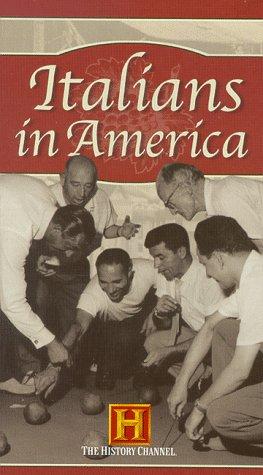 9780767012737: Italians in America [VHS]