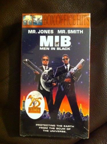 9780767835268: Men in Black [VHS]