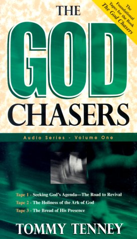 9780768420425: The God Chasers: My Soul Follows Hard after Thee (Sermon)
