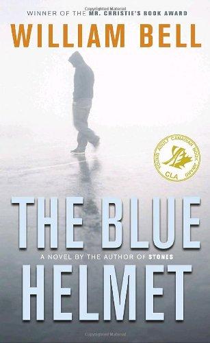 9780770430023: The Blue Helmet