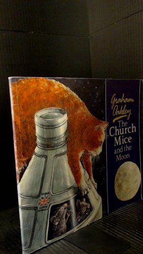 9780771592362: Church Mice and the Moon
