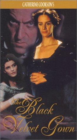 9780773345010: Catherine Cookson's Black Velvet Gown [VHS]