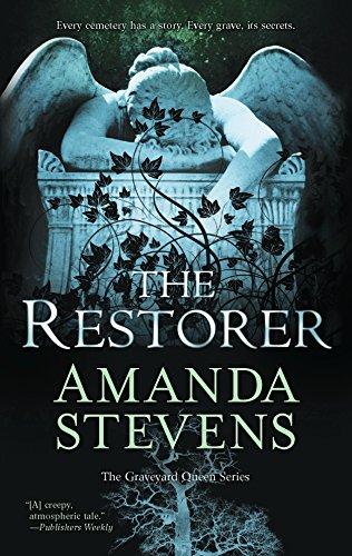 9780778314004: The Restorer (The Graveyard Queen)