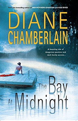 9780778321460: The Bay at Midnight